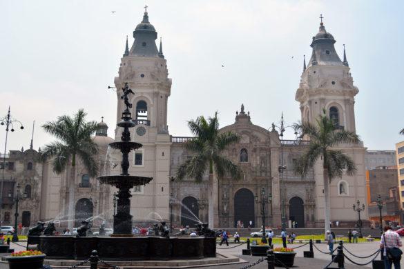 Lima-Plaza-de-Armas-Peru-Blog-Gira-Mundo