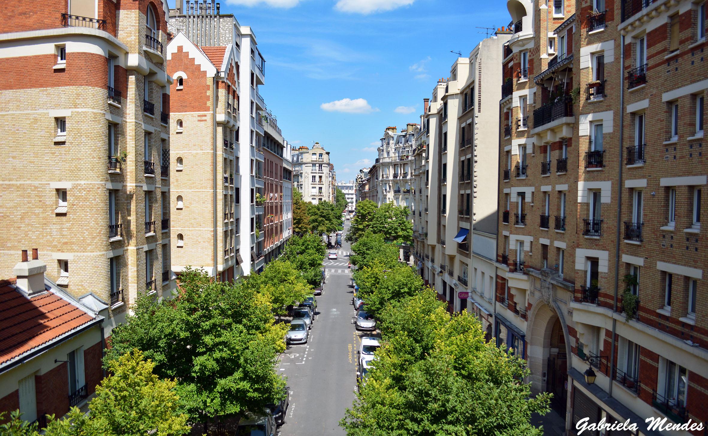 Uma das vistas que se tem na Promenade Plantée. Dá até para dar uma espiadinha no apartamento dos outros :P