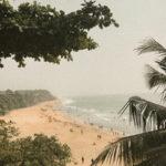 Praia de Varkala vista da cidade