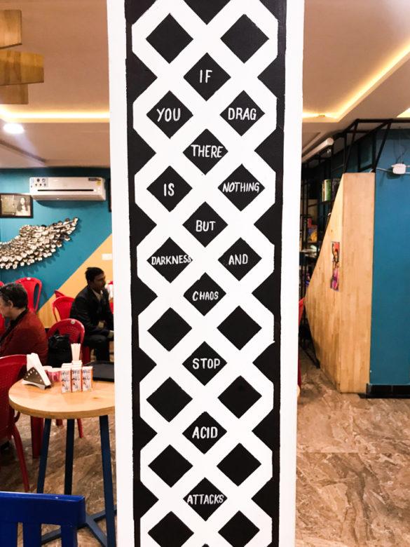 Empodere: Sheroes Hangout, um restaurante feito por mulheres sobreviventes de ataque de ácido, na Índia